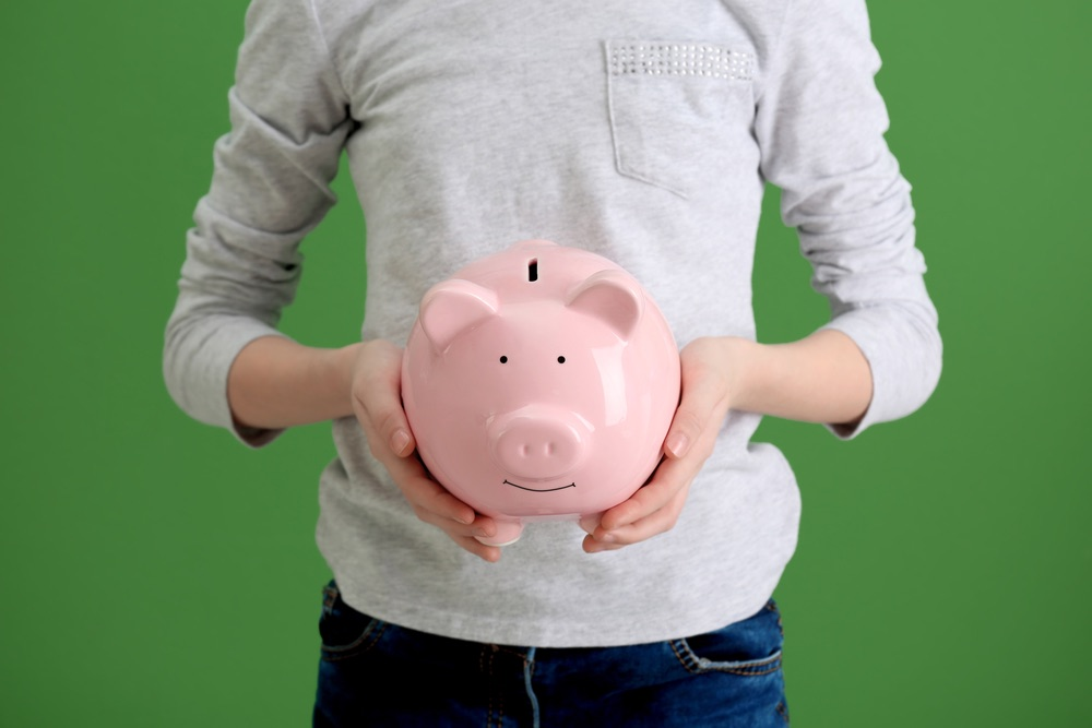 5 ways to save money in college